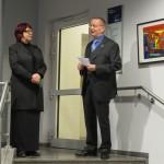 Die Künstlerin mit Bürgermeister Kasten Knobbe