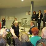 Vernissage mit der Frau des Künstlers Angela Niedlich und Bürgermeister Karsten Knobbe