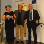 Ausstellungseröffnung mit Gabriele und Raymund Stolze und Bürgermeister Karsten Knobbe